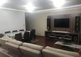 Casa com 4 Quartos para alugar, 280m²