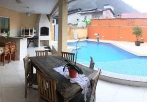 Casa com 5 Quartos à venda, 320m²
