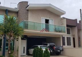 Casa de Condomínio com 3 Quartos à venda, 230m²