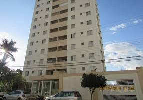 Apartamento com 3 Quartos para alugar, 70m²
