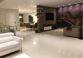 Casa de Condomínio com 4 Quartos à venda, 450m²