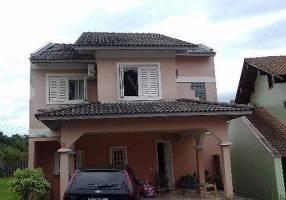 Casa de Condomínio com 3 Quartos à venda, 234m²