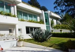 Casa de Condomínio com 6 Quartos para venda ou aluguel, 900m²