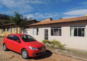 Casa com 3 Quartos à venda, 49m²