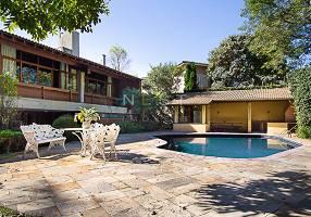 Casa com 4 Quartos à venda, 908m²
