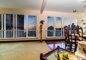 Casa de Condomínio com 4 Quartos para alugar, 530m²