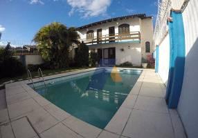 Casa de Condomínio com 4 Quartos para alugar, 400m²