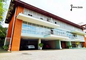 Casa com 6 Quartos à venda, 1550m²