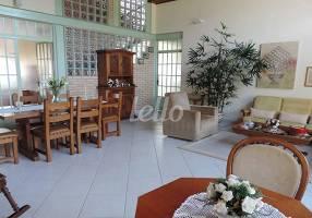 Casa com 4 Quartos à venda, 457m²