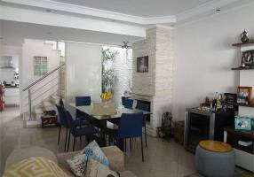 Casa de Condomínio com 3 Quartos à venda, 130m²