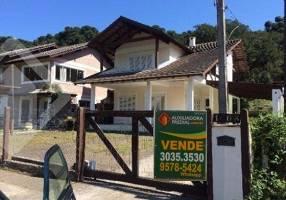 Casa com 3 Quartos à venda, 420m²