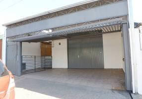 Loja Comercial com 2 Quartos para venda ou aluguel, 150m²