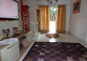 Casa de Condomínio com 3 Quartos à venda, 227m²