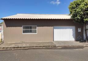 Casa com 3 Quartos à venda, 174m²