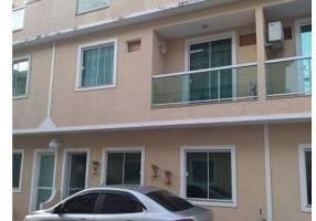 Casa com 3 Quartos à venda, 73m²