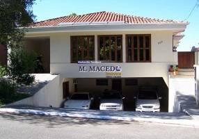 Casa com 4 Quartos para alugar, 520m²