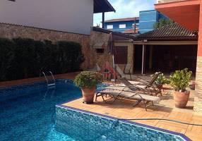 Casa de Condomínio com 4 Quartos para venda ou aluguel, 362m²