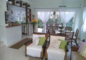 Casa de Condomínio com 3 Quartos à venda, 150m²
