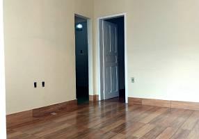 Casa com 2 Quartos para alugar, 98m²