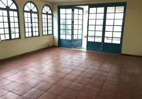 Casa com 4 Quartos à venda, 349m²