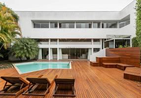 Casa com 5 Quartos à venda, 444m²