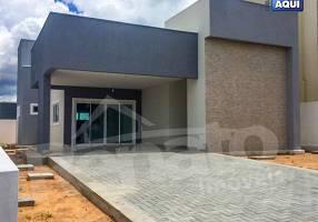 Casa de Condomínio com 2 Quartos à venda, 140m²