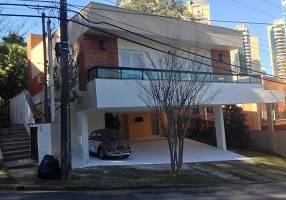 Casa com 4 Quartos à venda, 497m²