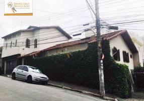 Casa com 5 Quartos à venda, 305m²
