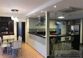 Casa com 3 Quartos à venda, 461m²