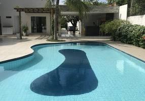 Casa com 4 Quartos à venda, 304m²