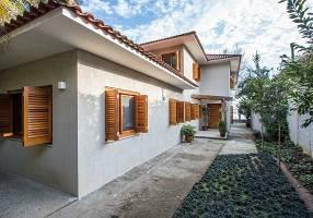 Casa com 4 Quartos à venda, 420m²
