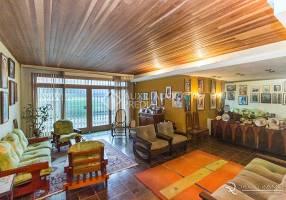 Casa com 5 Quartos à venda, 350m²