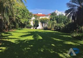 Casa com 4 Quartos para venda ou aluguel, 661m²