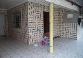 Casa com 4 Quartos à venda, 100m²