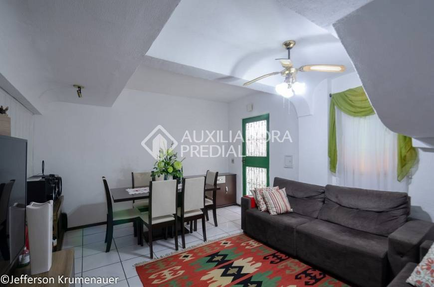 Casa com 3 Quartos à Venda, 175 m² por R$ 800.000 Rua Barão do Triunfo, 588 - Menino Deus, Porto Alegre - RS