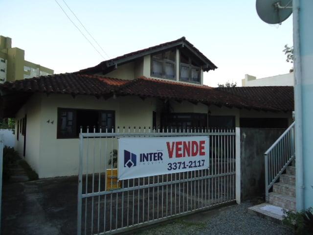 casa com 3 quartos à venda, 194 m por r 780.000